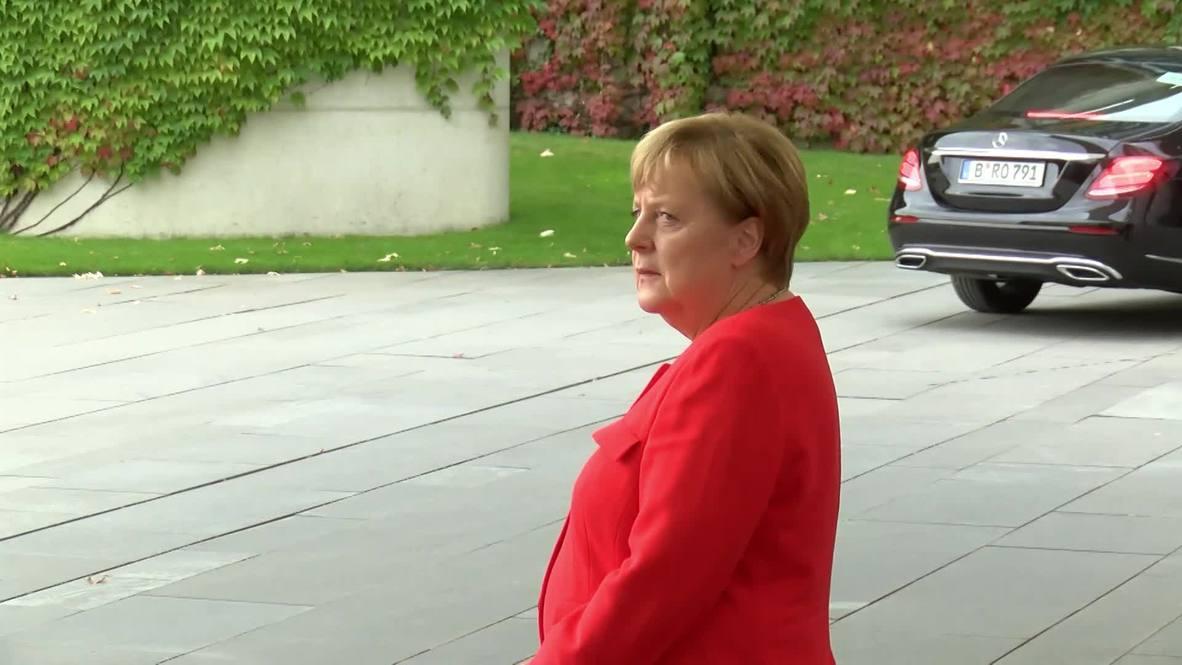 Alemania: Merkel da la bienvenida al presidente checo Zeman