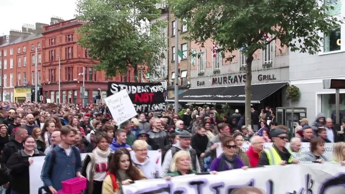 Irlanda: Manifestantes protestan contra la crisis de la vivienda en Dublín