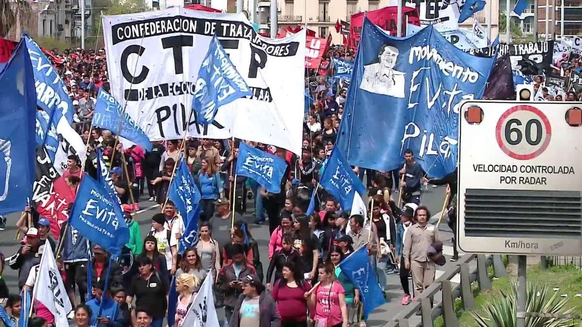 Argentina: Miles de personas toman las calles de Buenos Aires contra Mauricio Macri y sus medidas de austeridad