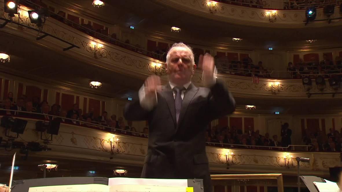 Alemania: Merkel asiste a la ceremonia del Día de la Reunificación en la Ópera Estatal