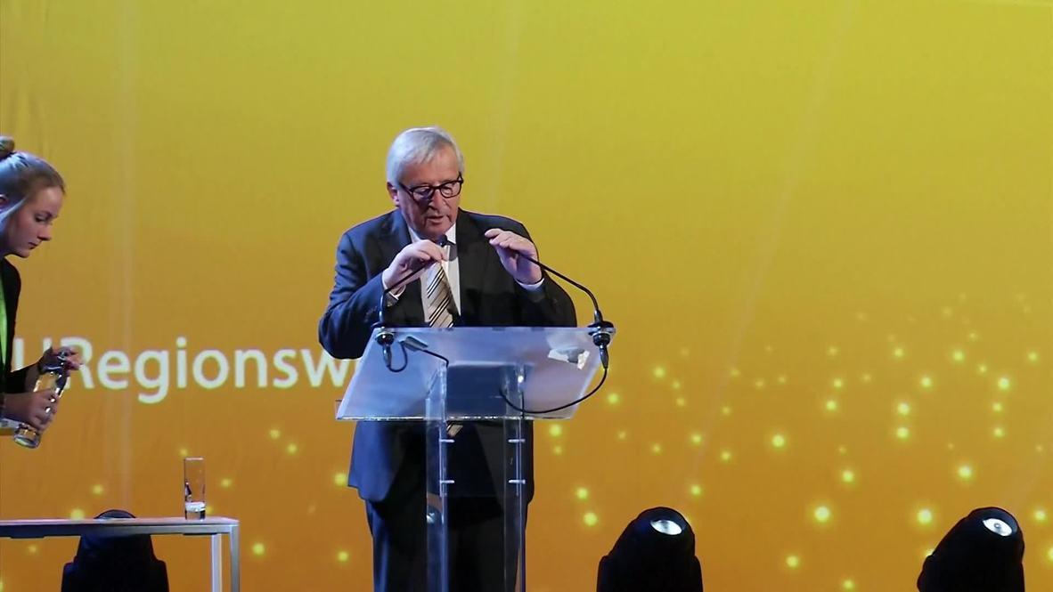 Belgium: EU's Juncker accused of mocking Theresa May's dance moves