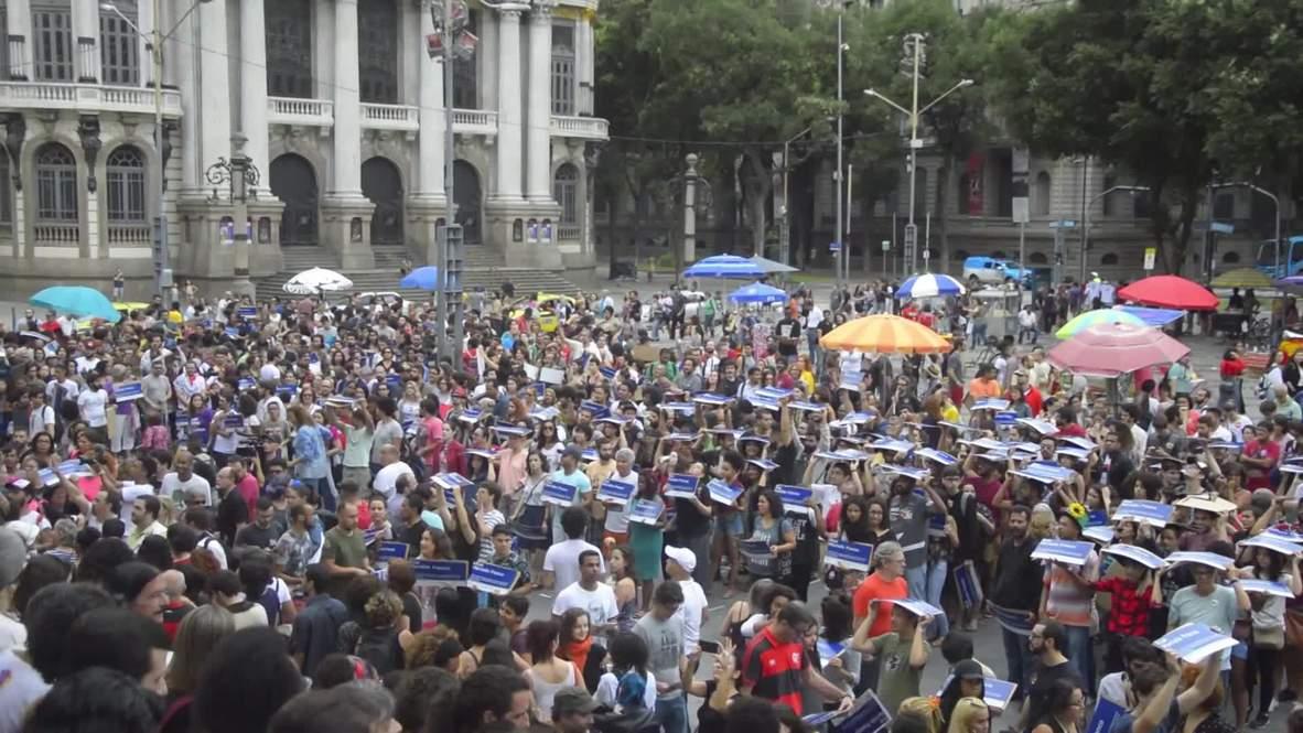 Brazil: Protesters pay tribute to slain councilwoman Marielle Franco in Rio