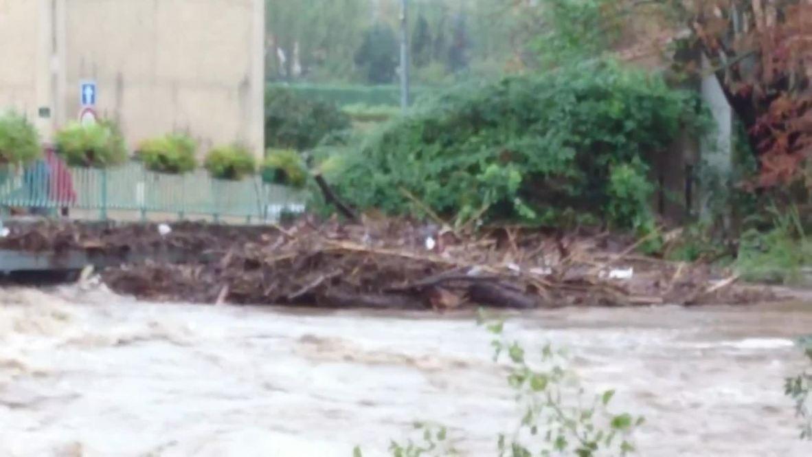 Francia: Al menos 10 personas mueren por inundaciones en Aude