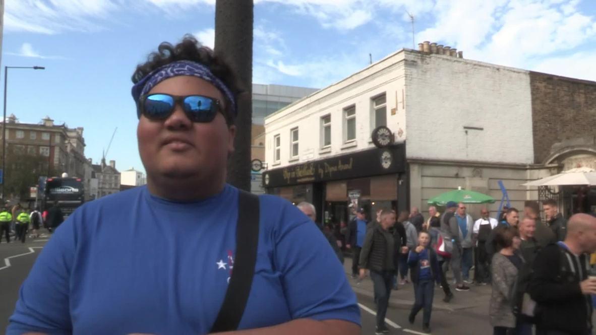 Reino Unido: Los aficionados del Chelsea llegan a Stamford Bridge antes del duelo contra el Manchester United