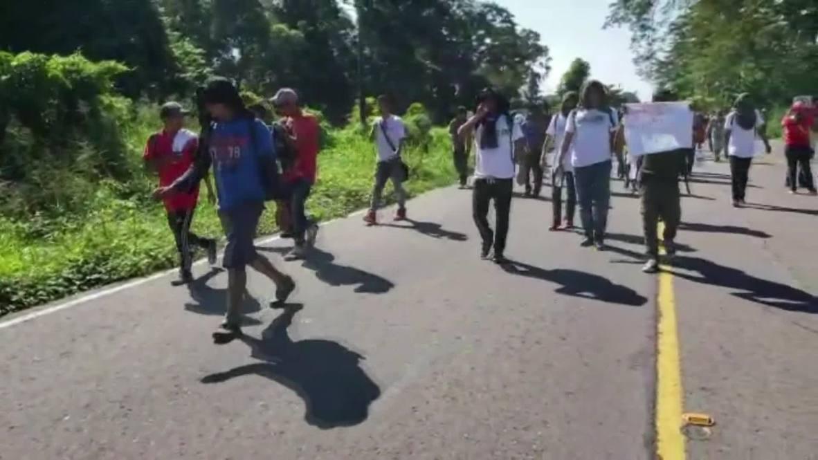 México: Miles de migrantes marchan por Tapachula mientras continúan su viaje hacia EE.UU. huyendo de la violencia y la pobreza
