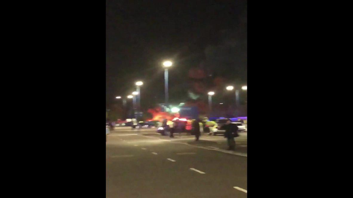 Reino Unido: El helicóptero del dueño del Leicester se estrella afuera del estadio