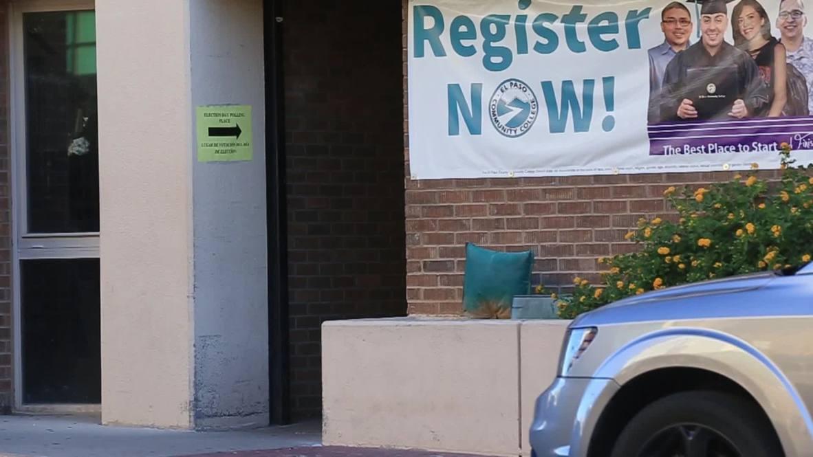 EE.UU.: El candidato demócrata O'Rourke emite su voto en Texas