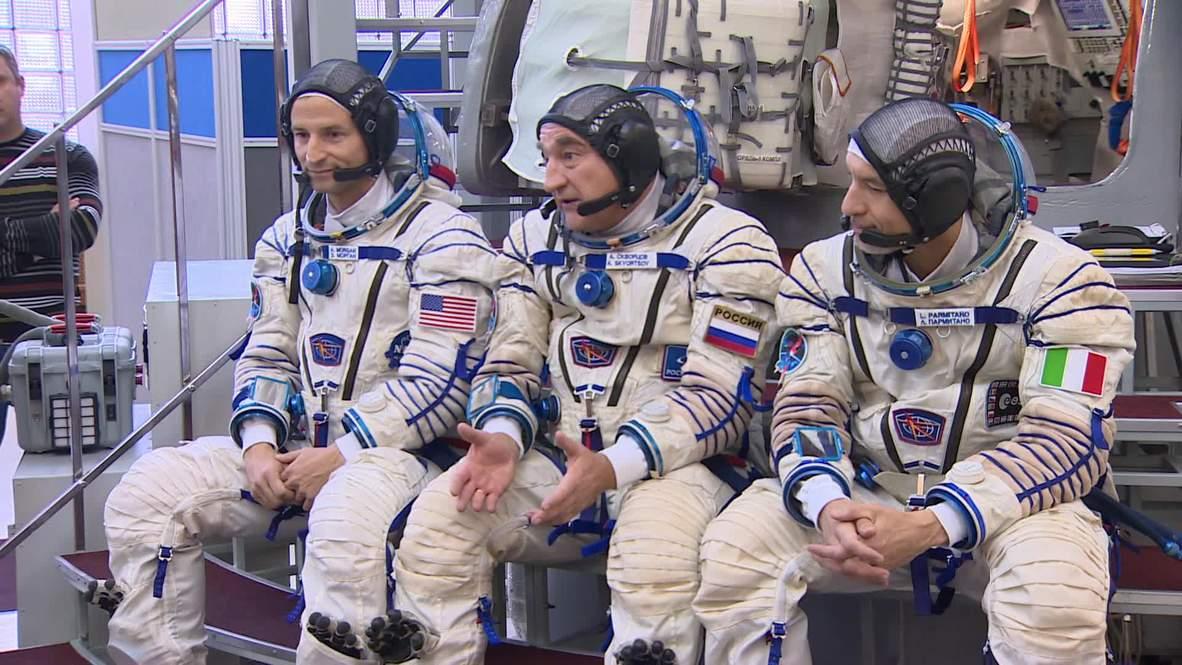 Rusia: Las tripulaciones de la expedición 58/59 de la ISS celebran una sesión de entrenamiento previa al vuelo