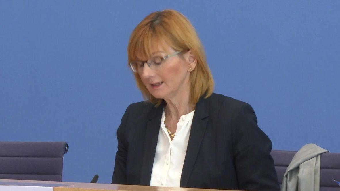 """Alemania: """"Un pilar fuerte dentro de la OTAN"""" - Ministros de Defensa respaldan la idea del """"ejército europeo"""" de Merkel"""