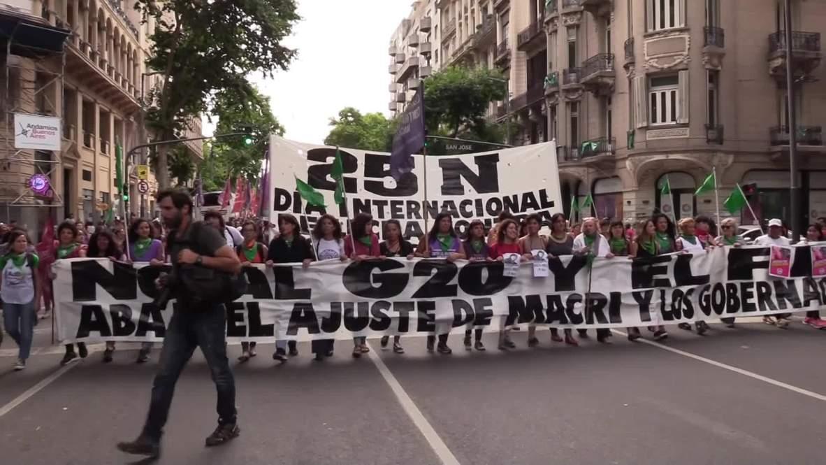 Argentina: Miles de manifestantes protestan contra la violencia contra las mujeres * EXPLÍCITO*