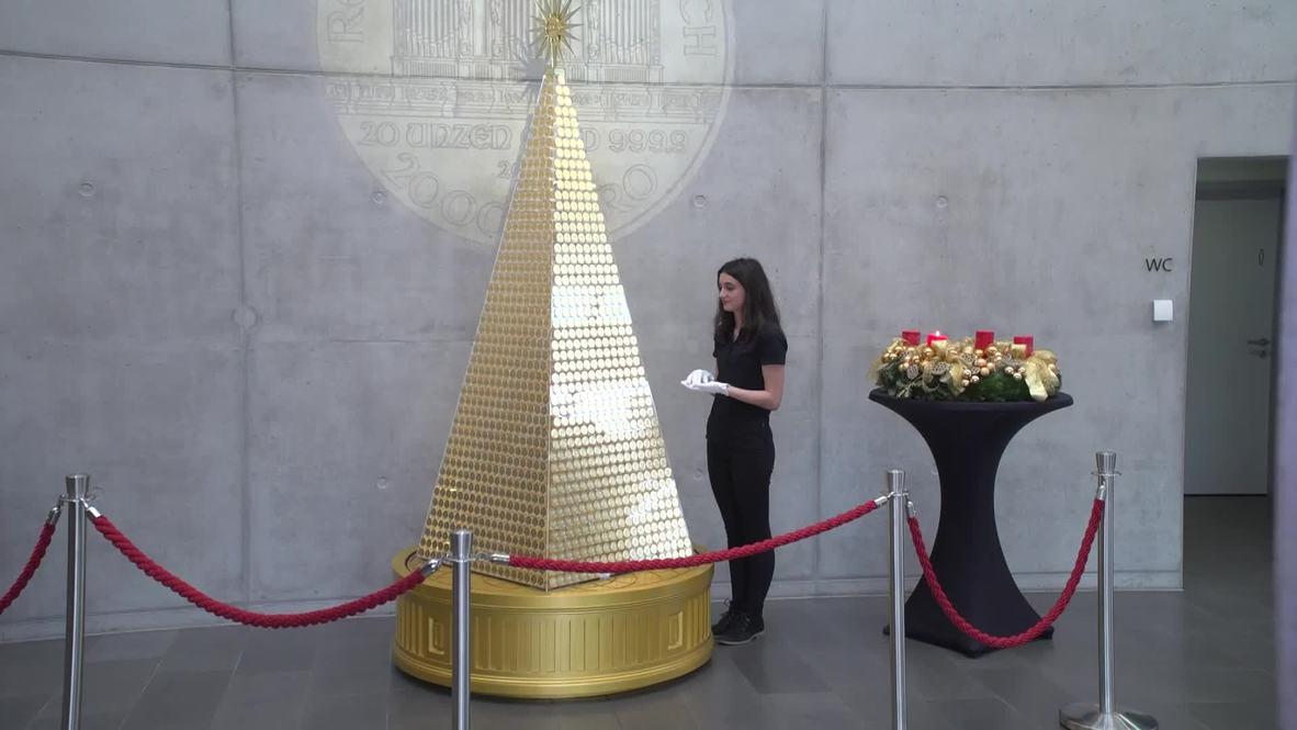 ¡Oh DORADA Navidad! - Presentan en Múnich un árbol hecho con 2018 monedas de oro