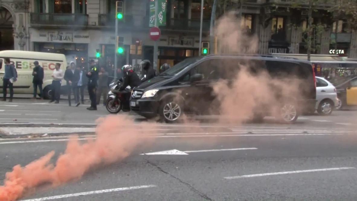 España: Los Mossos d'Esquadra protestan para exigir al abono de las pagas atrasadas