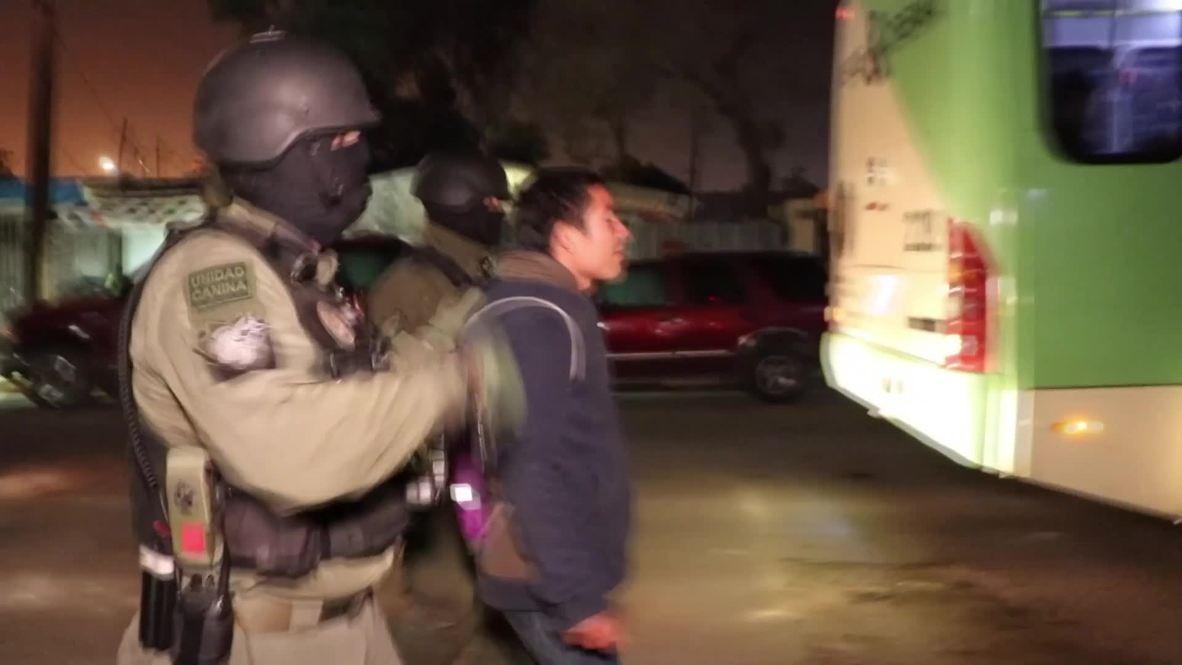 México: Decenas de detenidos durante la evacuación de un campamento de migrantes en Tijuana