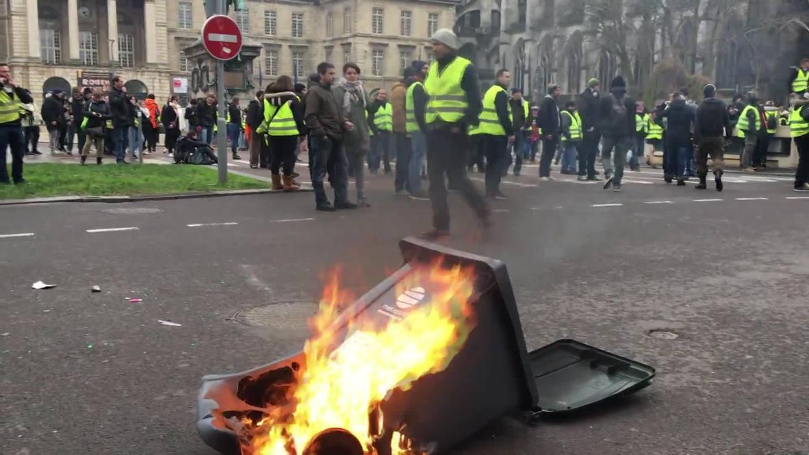 Francia: Los 'Chalecos Amarillos' protestan en Rouen durante la séptima semana de protestas