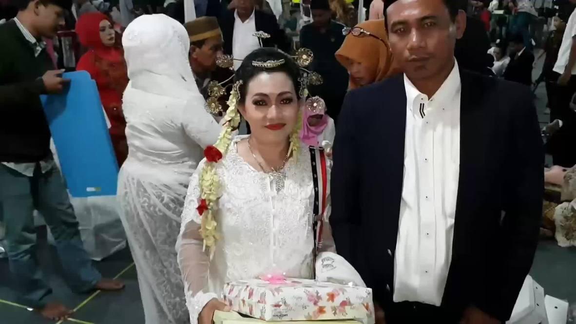 Indonesia: Boda masiva anual para recibir el Año Nuevo en Yakarta