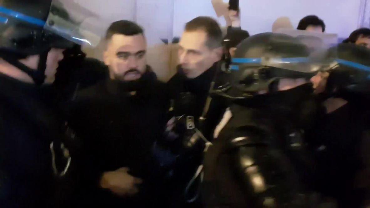 """Francia: Un portavoz de los """"chalecos amarillos"""" es detenido en París"""