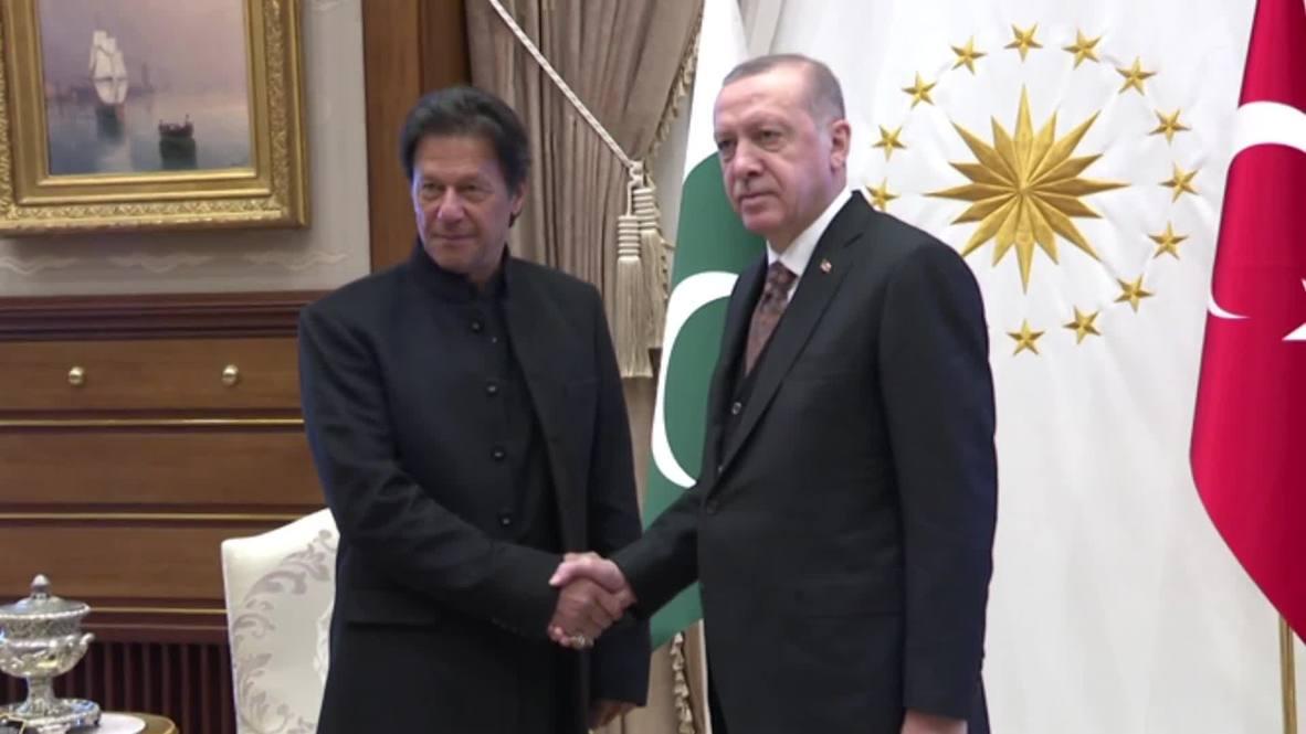 Turkey: Erdogan meets Pakistani PM Imran Khan in Ankara