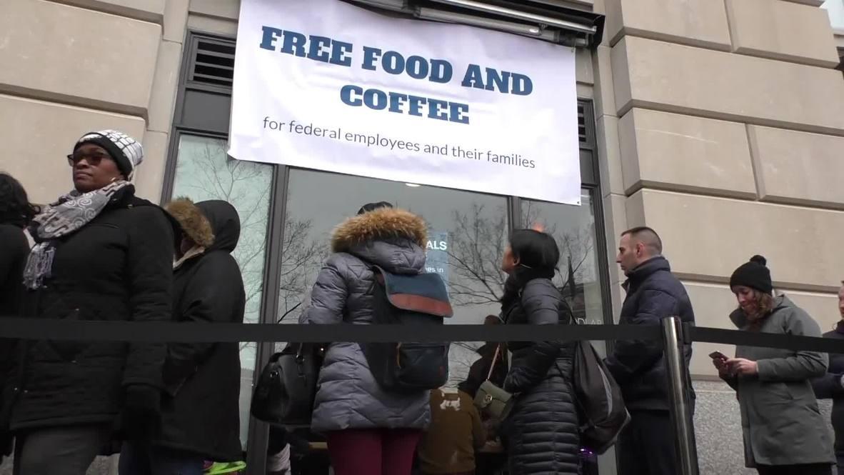EE.UU.: El famoso chef José Andrés alimenta a los trabajadores federales de manera gratuita