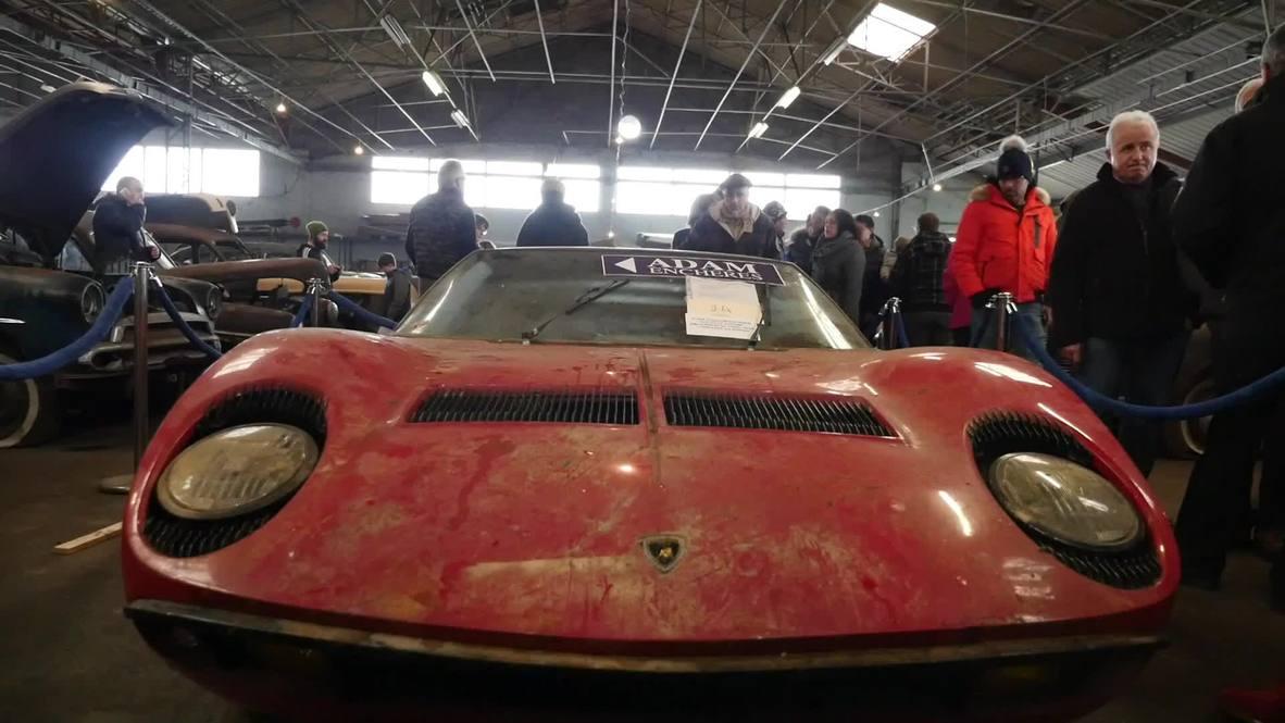 """Una """"increíble"""" colección de 81 coches clásicos sale a subasta cerca de Toulouse"""