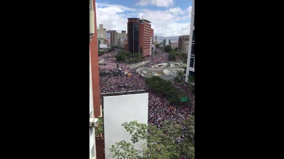 Venezuela: Miles de venezolanos protestan en Caracas contra el presidente Nicolás Maduro