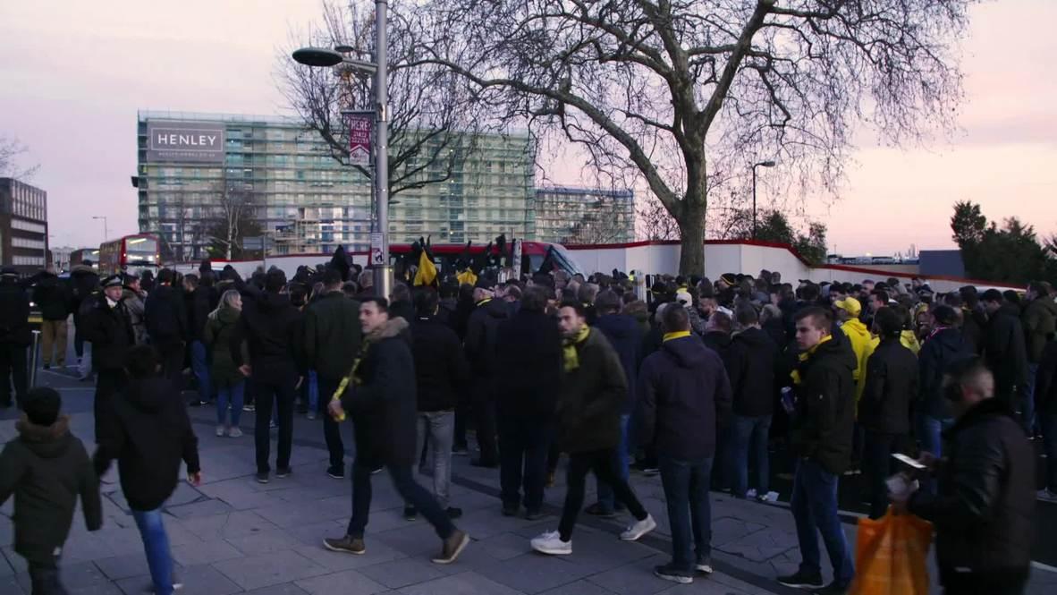 Reino Unido: Aficionados del Borussia Dortmund reunidos antes del partido contra Tottenham