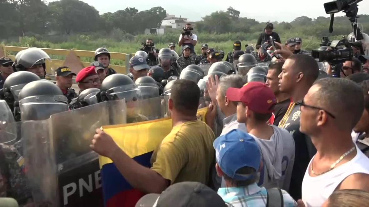 Colombia: Venezuelan police block bridge ahead of attempt to bring aid over border