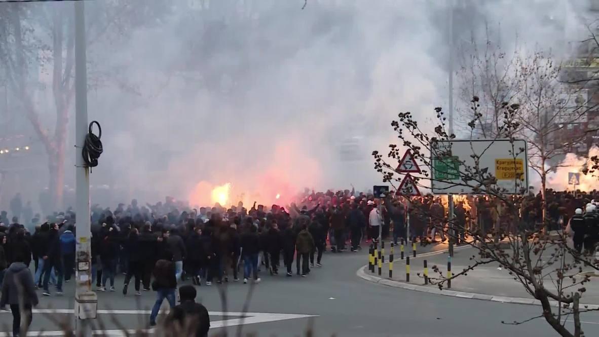 Serbia: Aficionados se preparan para el partido entre Estrella Roja y Partizan