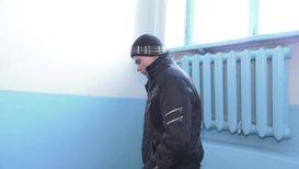 Россия: Бездомный подросток на своем ютьюб-канале учит весь мир выживать *ЭКСКЛЮЗИВ*