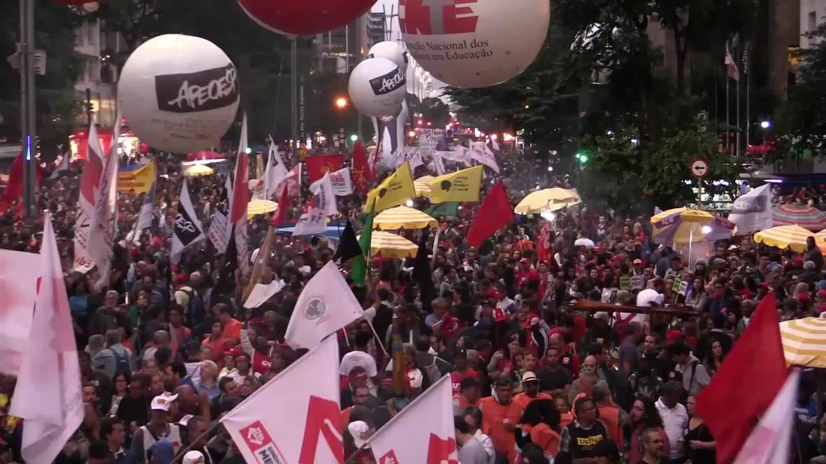 Brazil: Thousands oppose Bolsonaro's pension plan in Sao Paulo