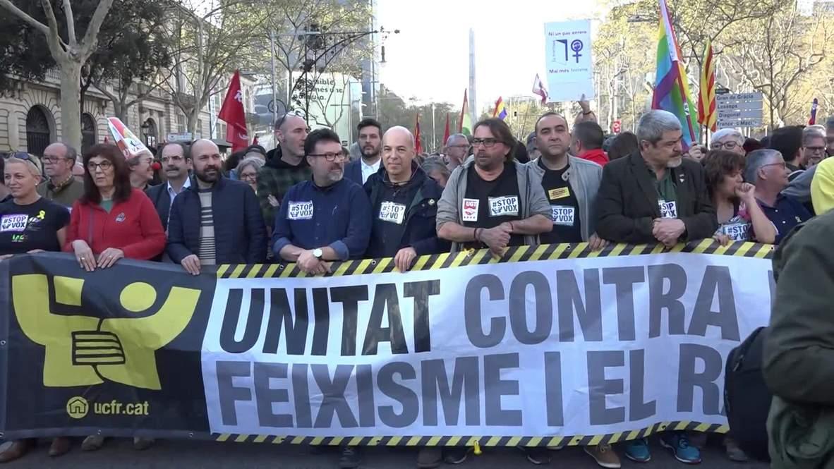 España: Catalanes marchan contra VOX en Barcelona