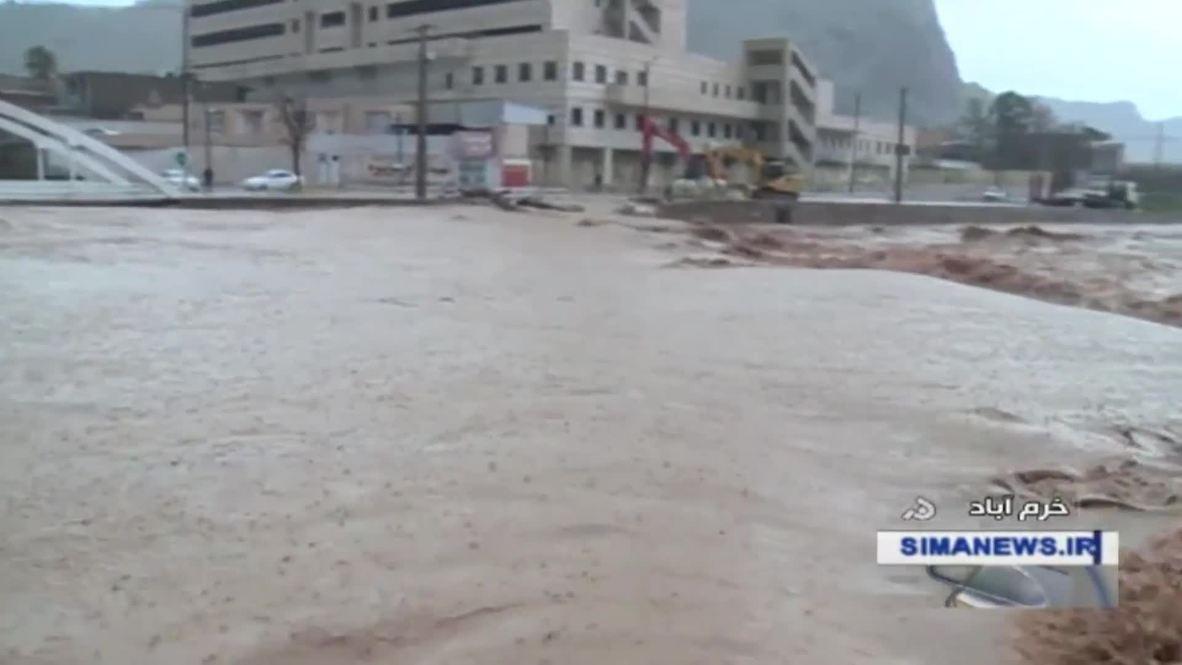 Иран: Из-за ливневых дождей в районе Шираза погибли 17 человек