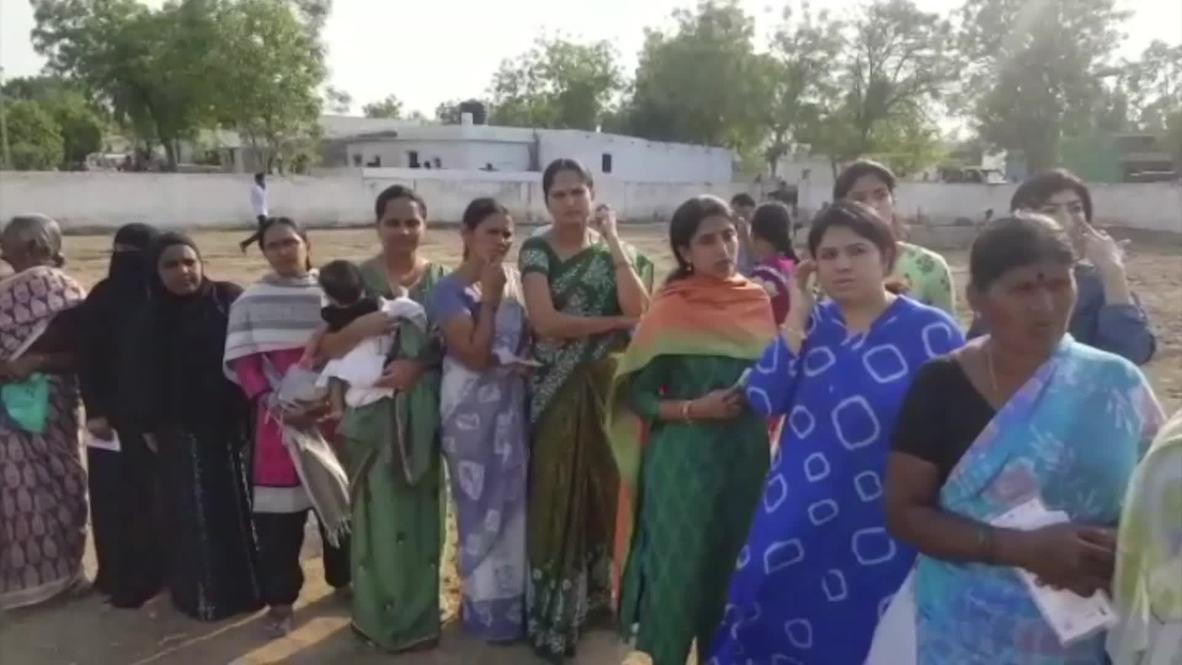India: Residentes de Andhra Pradesh votan en las elecciones más grandes del mundo