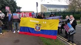 UK: Assange supporters hold vigil outside Belmarsh prison