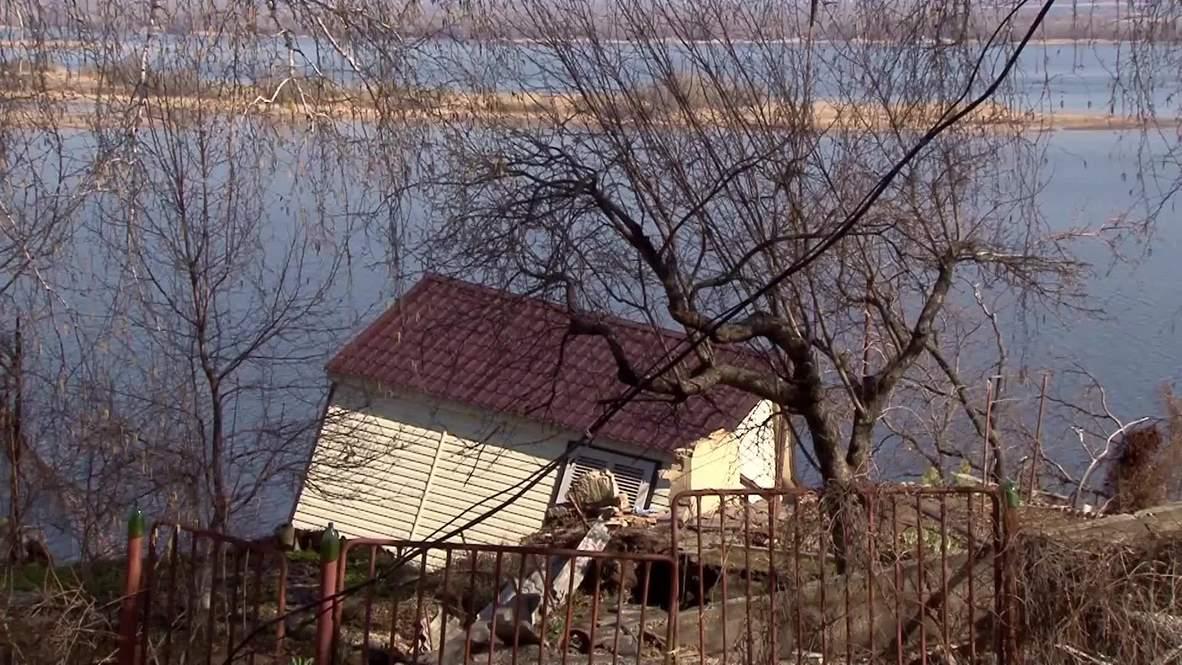 Россия: Оползень разрушил дома в Саратове