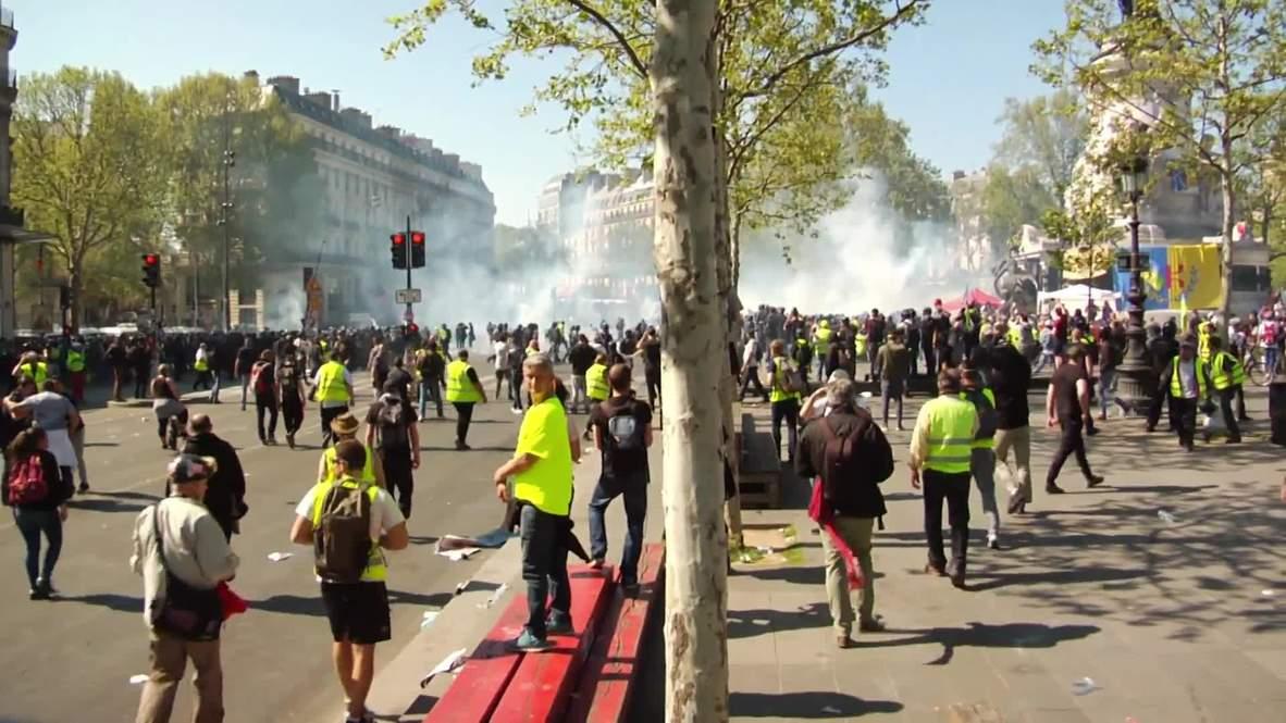 Francia: Chalecos amarillos provocan caos en París