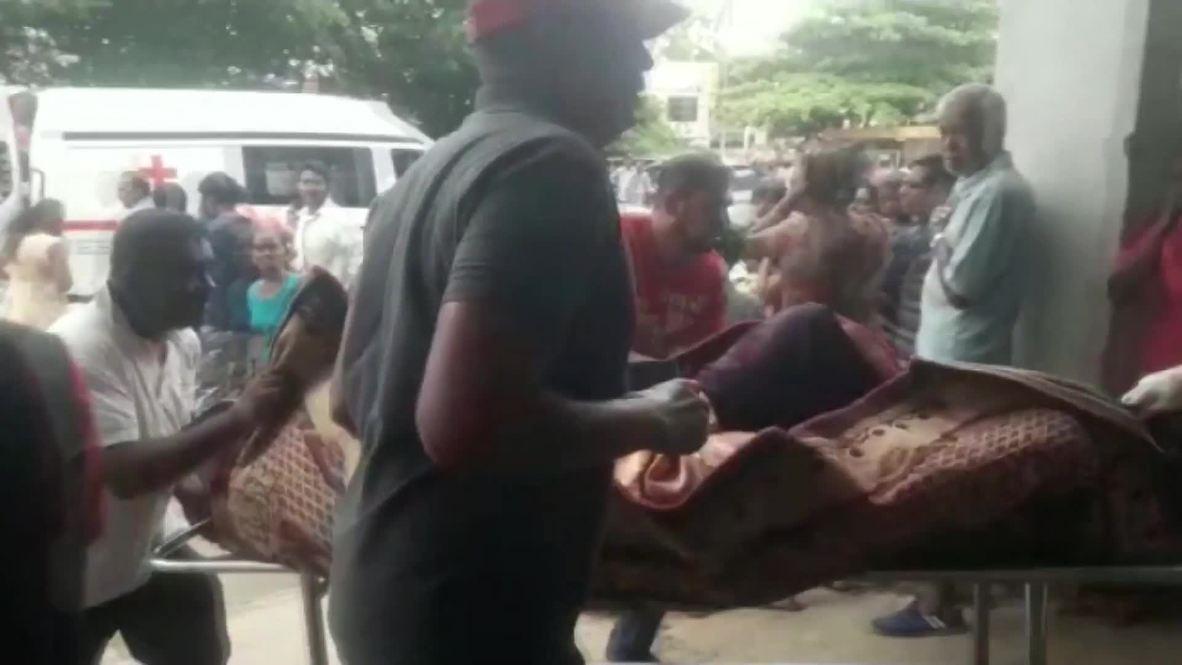 Sri Lanka: Trasladan cuerpos luego de explosión en inglesia de Batticaloa  *IMÁGENES FUERTES*