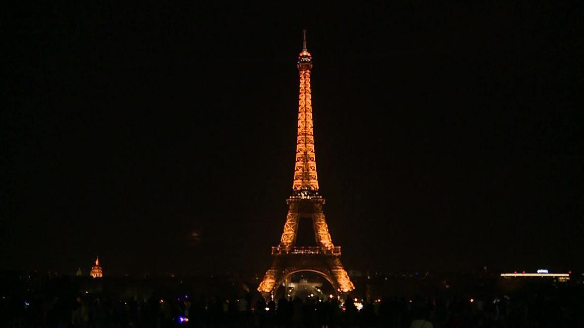 Francia: La Torre Eiffel apaga sus luces en homenaje a las víctimas de los ataques de Sri Lanka