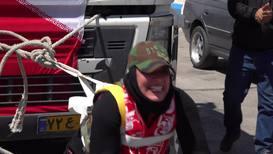 Иран: Самая сильная женщина в мире побила собственный рекорд, протянув 12-тонный грузовик
