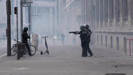 Франция: Столкновения в Лионе после обращения Макрона к нации