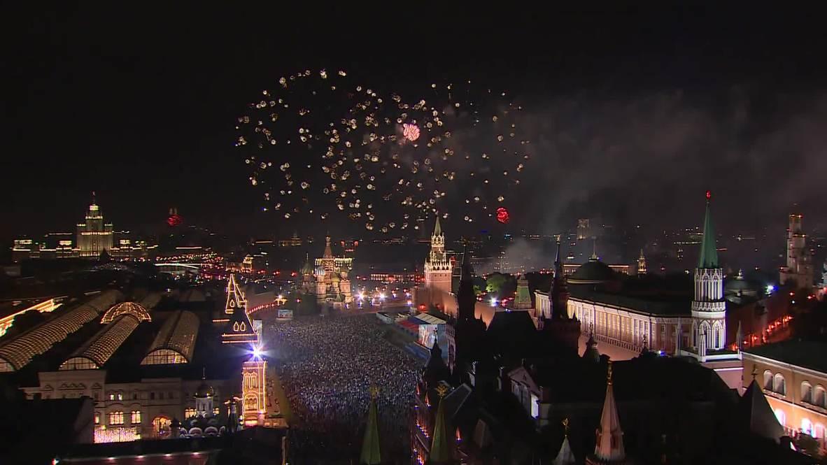 Rusia: Espectacular festival pirotécnico culmina las celebraciones del Día de la Victoria