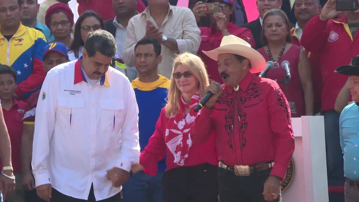 Venezuela: Maduro baila con sus simpatizantes en el aniversario de la victoria electoral