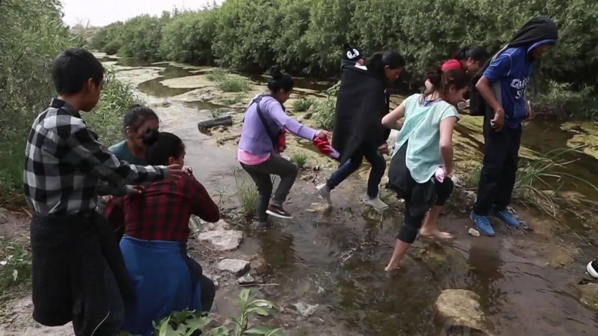 Мексика: Сквозь огонь и воду. Мигранты рискуют жизнью, преследуя 'Американскую мечту'