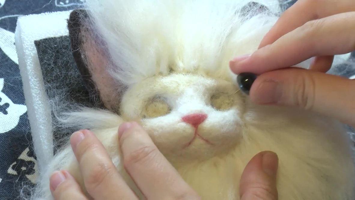 China: Talentosa artesana se vuelve viral al crear réplicas exactas de mascotas muertas