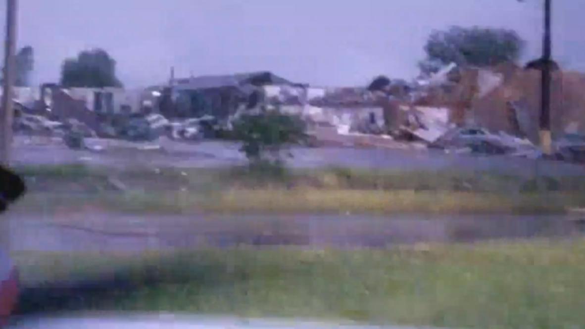 USA: Oklahoma hotel flattened by deadly tornado