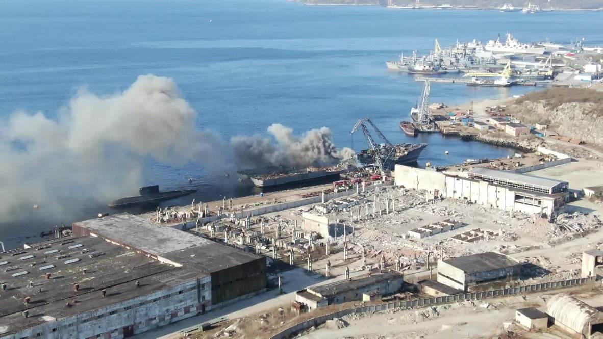 Rusia: Un barco de la Marina fuera de servicio se incendia en Severomorsk *IMÁGENES AÉREAS*