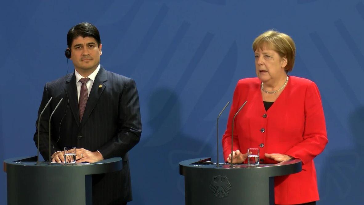 Alemania: Merkel ofrece una rueda de prensa junto al presidente de Costa Rica en Berlín