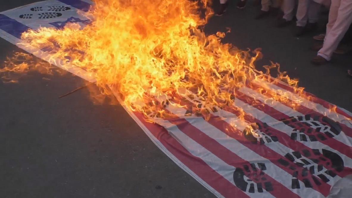 Pakistán: Manifestantes queman banderas de Israel y EE.UU. durante marcha del Día de Quds