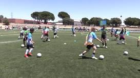 """Испания: Самый многонациональный урок футбола на планете прошёл в рамках """"Футбола для дружбы"""""""