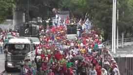 Venezuela: Pro-Maduro demonstrators march in support of state food-aid program
