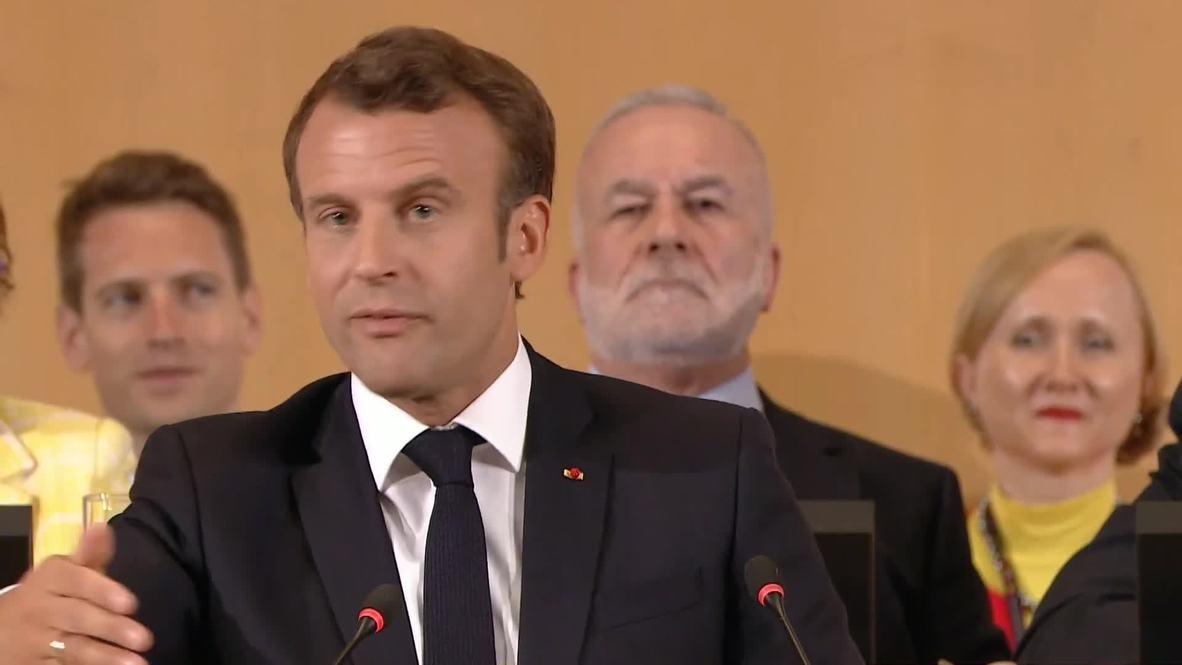 Suiza: Macron se lanza contra el neoliberalismo y advierte sobre 'tiempos de guerra'